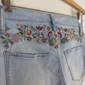*Final $10* Mossimo Embroidered Denim Shorts
